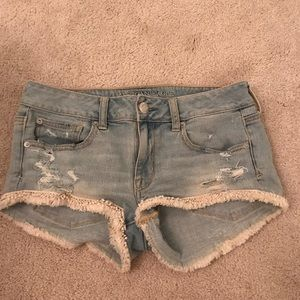 Light washed bohemian shorts !